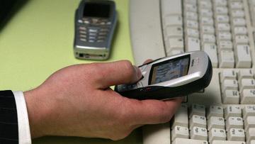 Пишущие SMS водители опаснее, чем пьяные - исследование