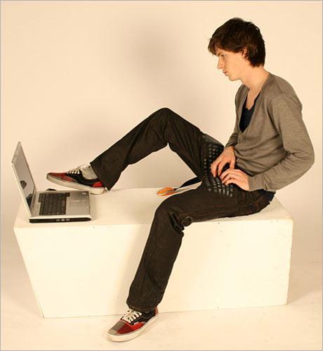 Клавиатура плюс джинсы: 2 в 1