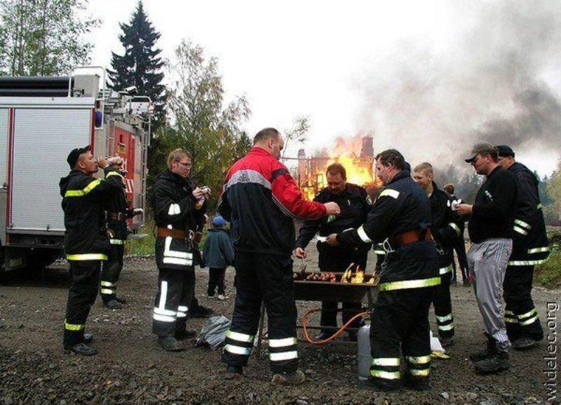 приколы фото про пожарников когда каких