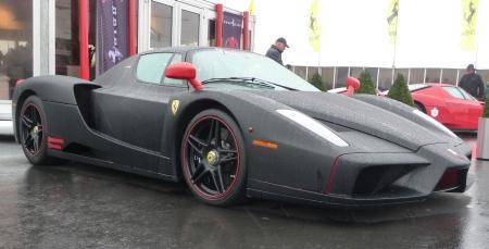 Черный матовый Ferrari Enzo: высокий стиль или безвкусица