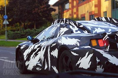 McLaren обкатывает новый суперкар