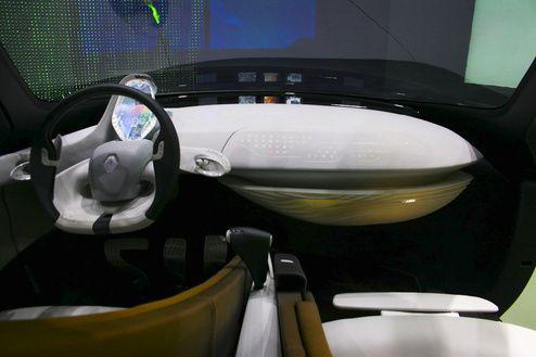 ТОП 14 футуристичных водительских панелей управления на Парижском автошоу