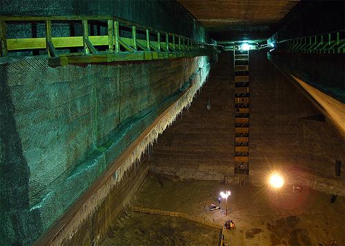 Заброшенные туннели и огромные подземные районы