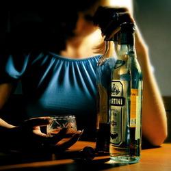 Почему громкая музыка увеличивает потребление алкоголя?