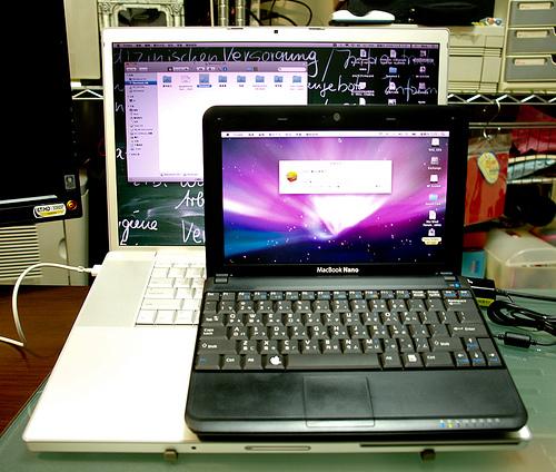В сети появились фото MacBook Nano!