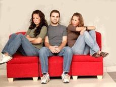 Психологи уверены: можно любить двоих, но не троих