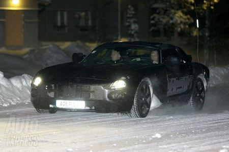 Спортивное купе Mercedes SLC Gullwing было замечено на зимних тестах