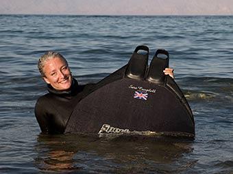 Британка нырнула на глубину 96 метров без акваланга