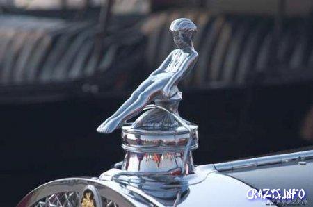 Красивые автомобильные статуэтки на капотах