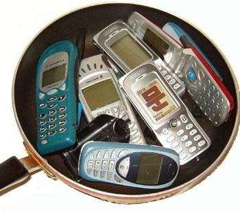 """Когда мобильные операторы перестанут обслуживать """"серые"""" телефоны?"""