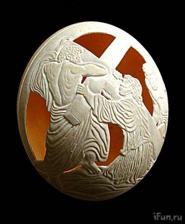 Резьба на страусиных яйцах