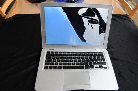 Очередной Macbook переживает катастрофу!