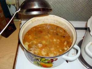 Житель Новгородской области получил два года условно за кражу кастрюли супа