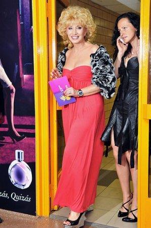 Звёздные наряды на церемонии вручения премии Муз-ТВ 2009
