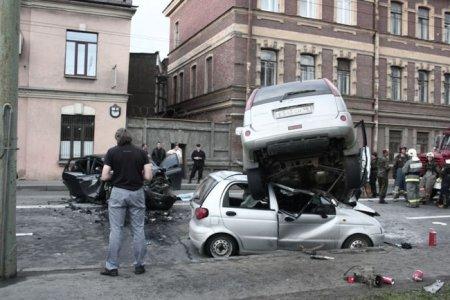 Жуткая авария в Питере на Ждановской набережной