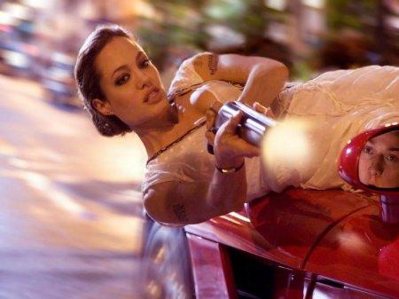 """Анджелина Джоли вернется в """"Особо опасен 2"""""""