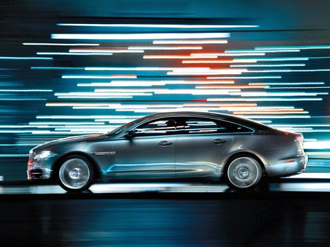 Новый Jaguar XJ продолжил революцию, начатую седаном XF