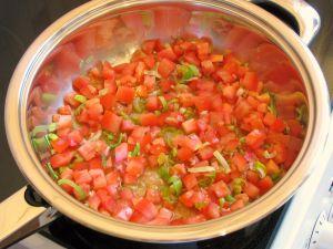 Макароны с семгой и помидорами
