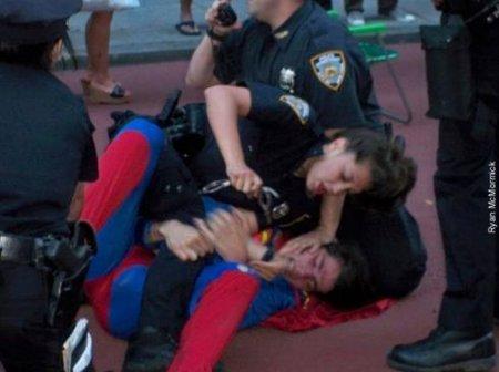 Копы против супергероев. Кто кого?