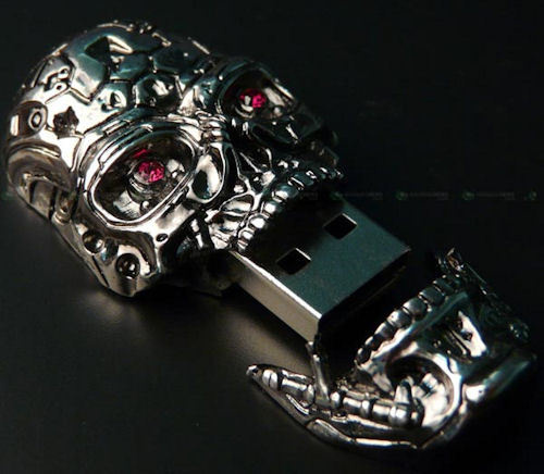 Терминатор в стиле Swarovski