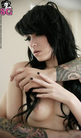 Suicide Girls:Dot