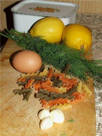 Фузилли с креветками в лимонном соусе