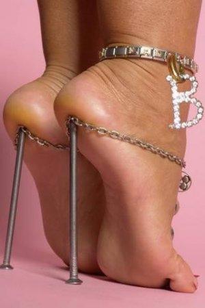 Профсоюзы потребовали ограничить высоту каблуков