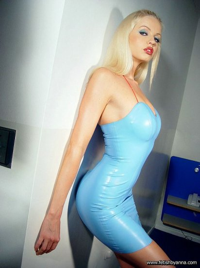 Girl in latex. part.6