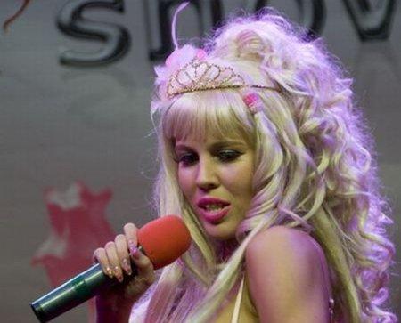 Карина Барби на эротической выставке XShow