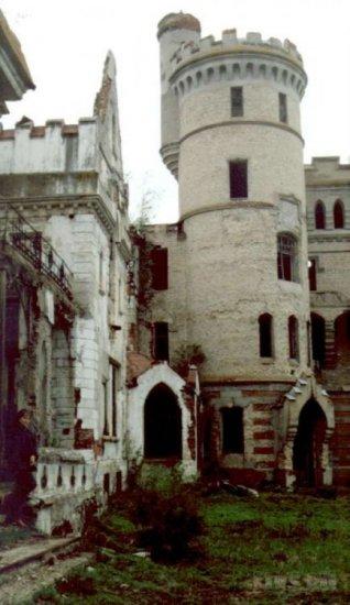 В память о Илье Муромце или готический замок в центре России