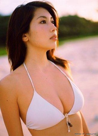 Японская модель нижнего белья Emi Kobayashi