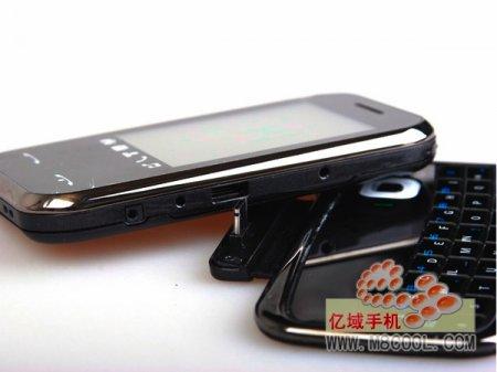 Nokla E97 – удачная китайская подделка