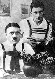 Секретарь Гитлера был евреем