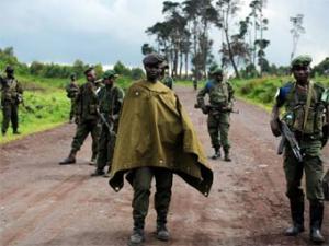 Конголезского офицера уволили за пьянство с врагами