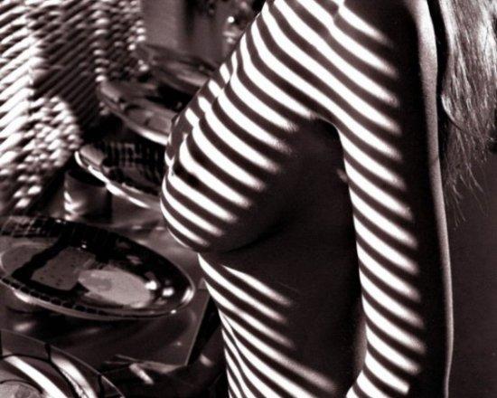 Девушки в черно-белом исполнении