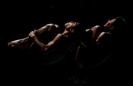 Замечательные фотографии прыгунов в воду