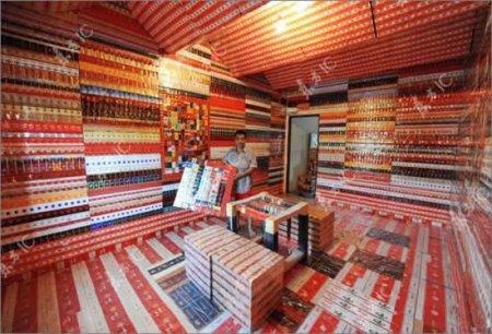 Дом из сигаретных пачек