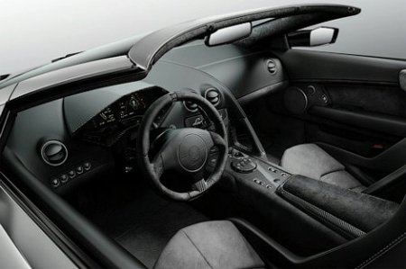 Появились фото суперкара Lamborghini Reventon без крыши