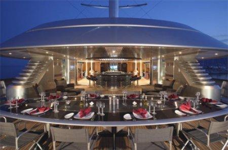 Супер-яхта Maltese Falcon