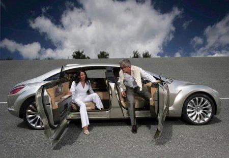 Шаг в будущее с Mercedes F700