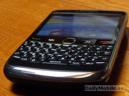Blackberry 9700 - первые живые фотографии