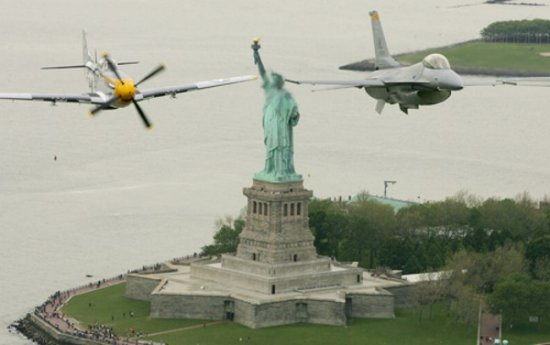 Самолеты над Нью- Йорком