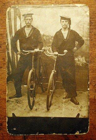 Старинные байкеры