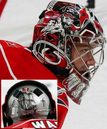 Аэрография на хоккейных шлемах