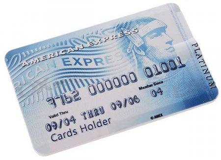 Кредитка-плеер с 4 гигабайтами на борту