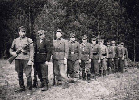 «Повстанцы беспощадно расправлялись с советскими финагентами…»