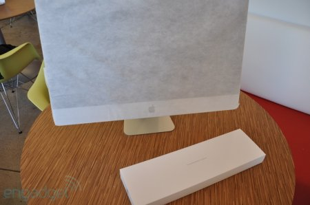 Engadget распечатывает новый iMac