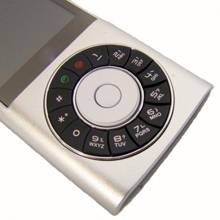 HiPhone F320 - очередной китайский телефон с дизайном знаменитого плеера