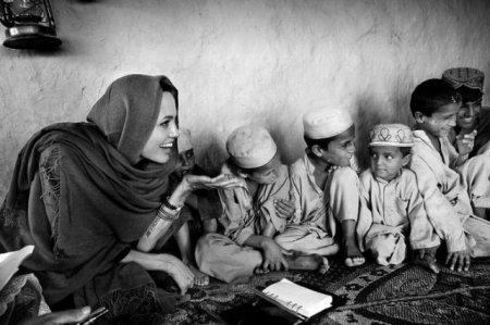 Анжелина в Афганистане