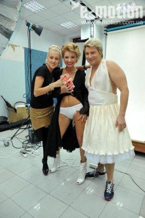 Николай Басков стал носить женские платья